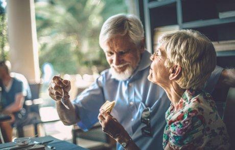 תזונה לחולי דמנציה: מה מומלץ ?